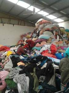 Wholesale secondhand clothing: secondhand clothing