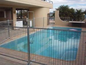 Wholesale pool fence: Temporary Pool Fencing