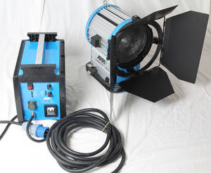 Wholesale 2500w power socket: M40  HMI Max Par  Light +25/40 EB+7m Cable As  Arri Flicker Free Film Shooting Light