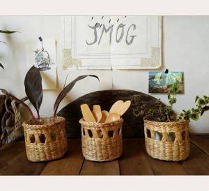 Wholesale desk: Round Woven Water Hyacinth Basket / Desk Organizer - Cutlery/Tissue/Stationery Holder