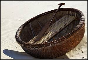 Wholesale Bamboo Crafts: Bamboo Woven Boat/Bamboo Coracle