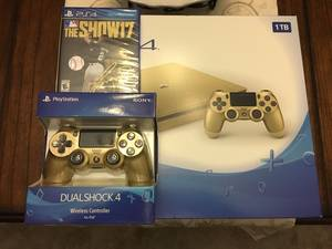 Wholesale Video Game Players: Gold Slim PS4