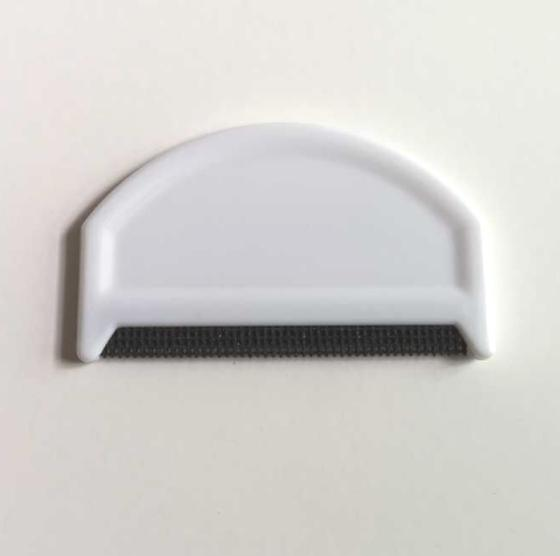 Cashmere & Wool Comb for De-Pilling Sweaters & Clothing