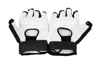 Wholesale Martial Arts Uniforms: Black and White Excellent Professional Taekwondo Hand Gloves Protector Equipment with WTF Approved