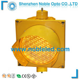 Wholesale 2m lens: 200mm Yellow LED Traffic Signal Light