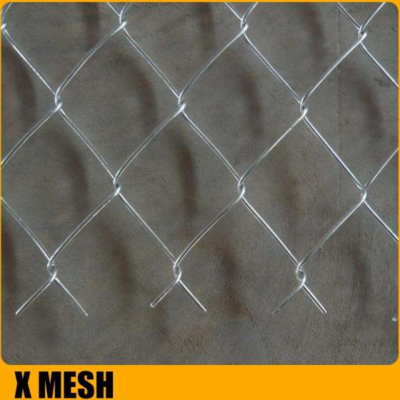 Sell 2.4meter height Diamond metal fence / chain link fence in roll from factory