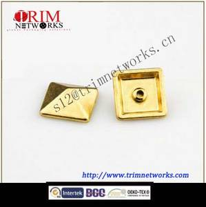 Wholesale clothing tags maker: Alloy Rivet Metal Button Maker 12MM HVS Gold Pyramid Alloy Button