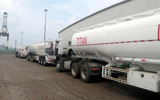 10 Units 3 Axle Truck Fuel Tanker Trailer for Sale in Guinean