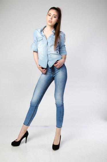 Trendy Popular Best Price Skinny Spreyed Used Effect Women Blue Jeans