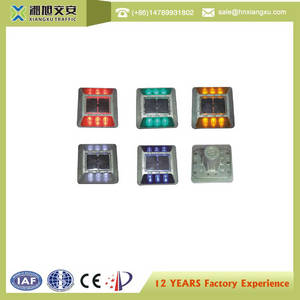 Wholesale road stud: Superior Quality Flash Solar Cat Eyes LED Solar Powered LED Safety Road Stud Highway Road Stud