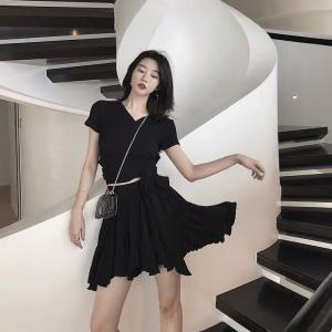 Wholesale shirts: Two-piece French Niche Fashion 2019 New Spring/Summer Design V-neck T-shirt + Skirt