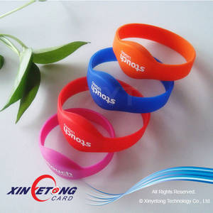 Wholesale fare box: 13.56MHZ MF1108 RFID Silicone Bracelets