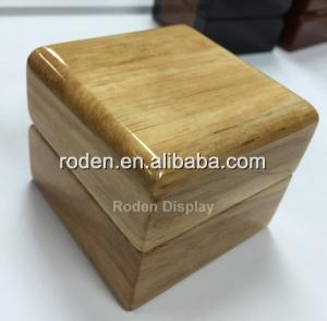 Wholesale jewelry case: 2019 Wholesale Custom Jewellery Case for Ring Glossy Wooden Jewelry Box Jewelry Case