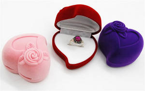 Wholesale wholesale jewelry: Heart-shaped Printing Korean Flannel Jewelry Box Packaging Wholesale
