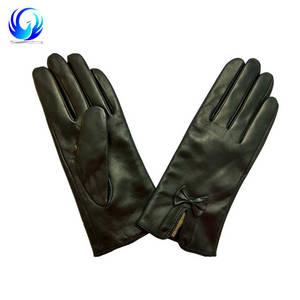 Wholesale winter leather gloves: Ladies Leather Gloves