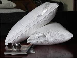 Wholesale white color pillow case: Top Selling Lifelike Inflatable Comfortable Good Quality Nice Design Fleece Lash Plush Satin Pillow