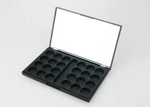Wholesale color cosmetic: 24 Colors Cosmetic Packaging Products Mac Eyeshadow Palette Packaging