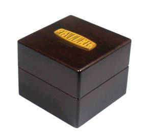 Wholesale luxury watch box: Luxury Watch Box (Wooden)